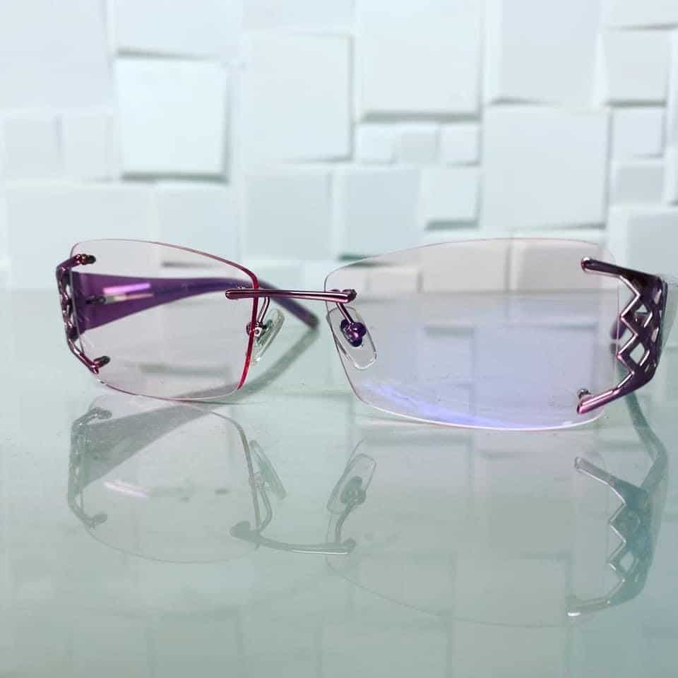 1.6 ThinLight Platinum Varifocals With Light Rose Tint And Smart Blue Easy Clean Coating