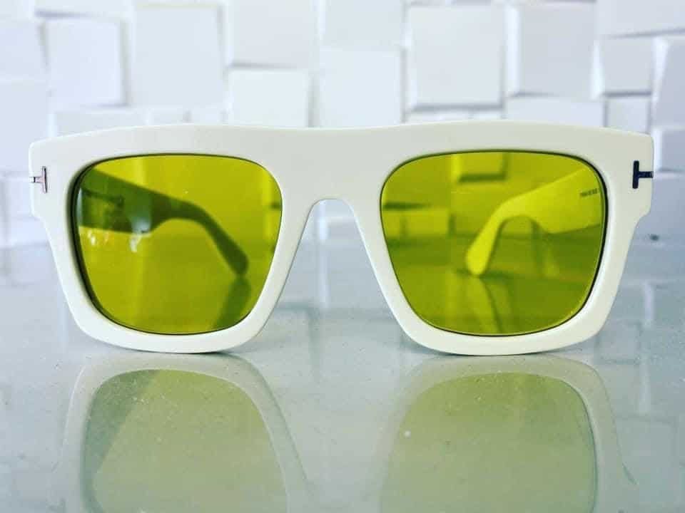 Digital Free Form Varifocals With Dark Yellow Tint Shade And Anti Scratch Coating