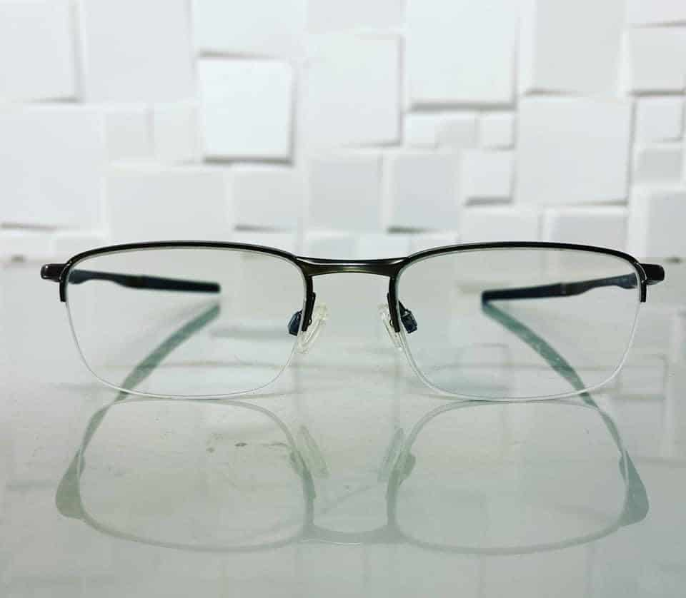 Invisible BiFocal With 1.6 ThinLight Lenses With Anti Scratch Coating